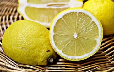 10 Household Hacks with Lemon (Besides Cooking)