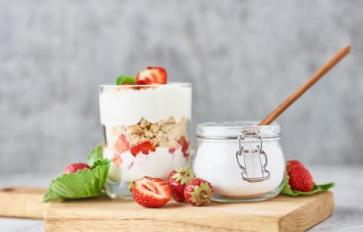 Raw Milk Recipes: Make Your Own Yogurt