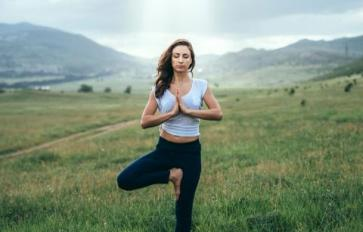 8 Yoga Poses To Improve Your Focus & Concentration