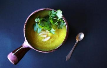 Easy, Creamy, Healthy: Vegan Cauliflower Ginger Turmeric Soup
